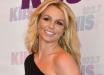"""38-летняя Бритни Спирс в шортиках эффектно прошлась на руках: """"Будущий муж научил"""""""