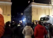 В Стамбуле жители окружили российское Генконсульство после убийства турецких солдат: кадры