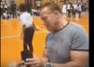 Шварценеггера хотели убить: видео нападения на Терминатора уже в Сети, преступник нанес Арни страшный удар