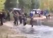 """""""Гроза НАТО"""", - Сеть """"взорвало"""" видео из Мордовии, в котором лужа """"одолела"""" армию РФ"""