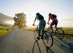 Украинских велосипедистов могут обязать надевать шлемы – рады не все