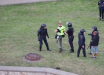 По всей Беларуси ОМОН массово хватает и избивает журналистов - нападения попали на видео