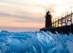 """Миллиарды осколков из замерзшей воды: в Сети показали фото """"битого стекла"""" на озере Мичиган"""