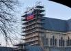 Триколор РФ висит на соборе в Солсбери – реакция правительства и местных жителей: кадры