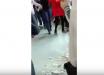 """Дети с криками убегают под """"дождем"""" из штукатурки: появились кадры обрушения потолка в школе Севастополя"""