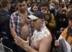 Под Радой в Киеве мужчина устроил самоподжог на акции против Арсена Авакова