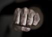 Нападает на людей с железным крюком: под Киевом неадекват терроризировал людей - детали
