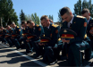 """В Донецке """"курсанты"""" стали на колени перед Пушилиным и Басуриным"""