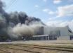 """В Волжском после """"хлопков"""" на заводе вспыхнул пожар - 75 тысяч кв. метров в огне, город в дыму"""