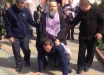 """Видео издевательств попа РПЦ над прихожанами шокировало верующих: """"Срам и позор"""""""