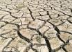 От Симферопольского водохранилища в Крыму почти ничего не осталось: потрескавшиеся куски суши вместо воды
