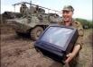 В Сети показали видео с военными-мародерами РФ в Чечне: в этих кадрах вся суть России