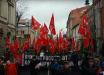 В центре Москвы тысячи коммунистов с флагами СССР и плакатами Ленина восстали против Путина: кадры марша