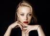 В центре Киеве Тина Кароль встала на колени на глазах у десятков людей