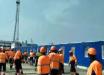 """Новый бунт в России: рабочие разгромили офис партнера """"Газпрома"""", полиция бежала от протестующих - кадры"""