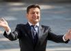 """СМИ """"поймали"""" Зеленского в """"странной позе"""" на избирательном участке: в Сеть уже """"слили"""" резонансный кадр"""