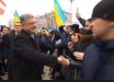 Видео из Киева показало главное отличие президента Украины от Путина: Порошенко ни от кого не прячется и любим украинцами