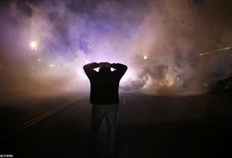 фергюссон, беспорядки, полиция, слезоточивый газ, задержанные
