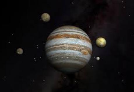 NASA опубликовало снимки прохождения трех спутников Юпитера по диску