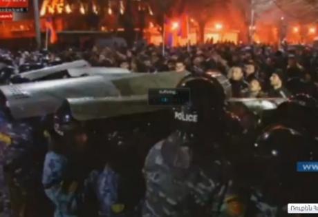 армения, россия, протесты, флаг, гюмри