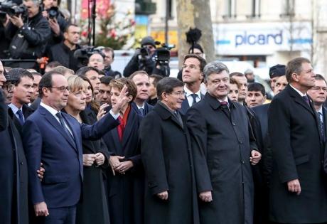 война, война в донбассе, война в украине, порошенко, армия украины, донецк, обстрелы донецка, франция, теракты, шарли, олланд, яценюк
