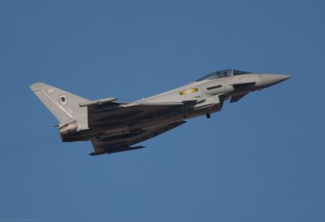 авиация великобритании, самолеты из россии, аргентина, военное обозрение, Eurofighter Typhoon, Су-24 Fencer