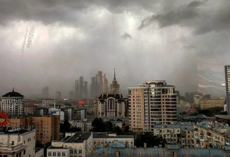 Число погибших урагана в столице возросло до 8-ми человек