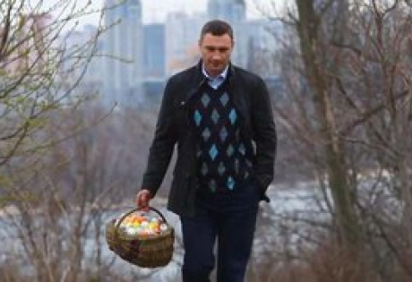 украина, киев, виталий кличко, пасха, пасхальные яйца, дерево