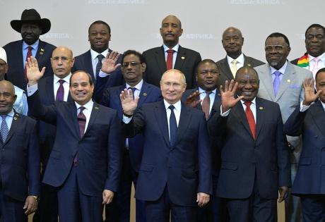 CNN, ИноСМИ, Владимир Путин, Россия, Евгений Пригожин, Африка, Сочи, Форум, Халиф Хафтар, США