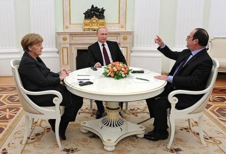 Российские СМИ: Переговоры Путина, Меркель и Олланда по Украине закончились ничем