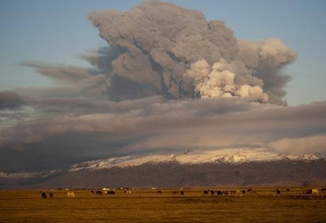 Исландия, вулкан, извержение, авиаперелеты