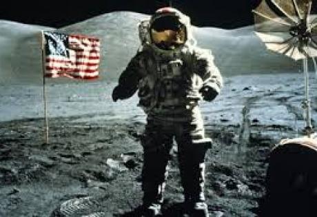 Американские компании делят Луну