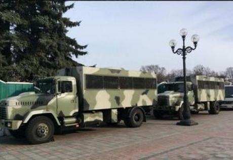 """украина, киев, здание верховной рады, во """"свобода"""", митинг, бронированные кразы, арсений яценюк"""