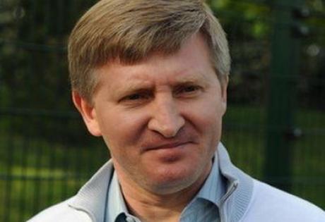 СМИ: Ахметову удалось обойти запрет перевода денег в Донецк